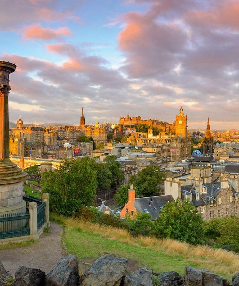 EdinburghCastle_Fotolia_90784710_XL