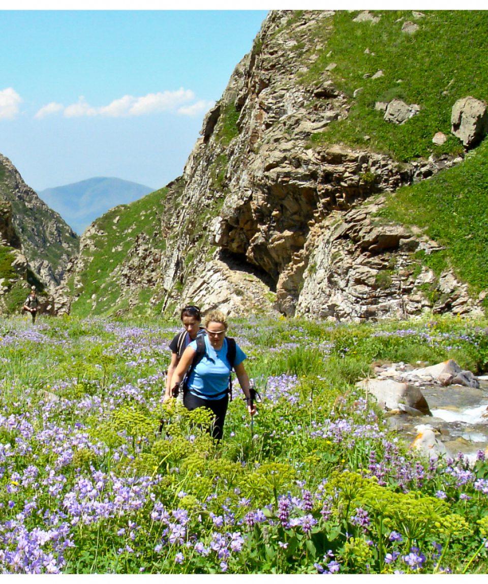 kirgistan-son-kul-wanderer