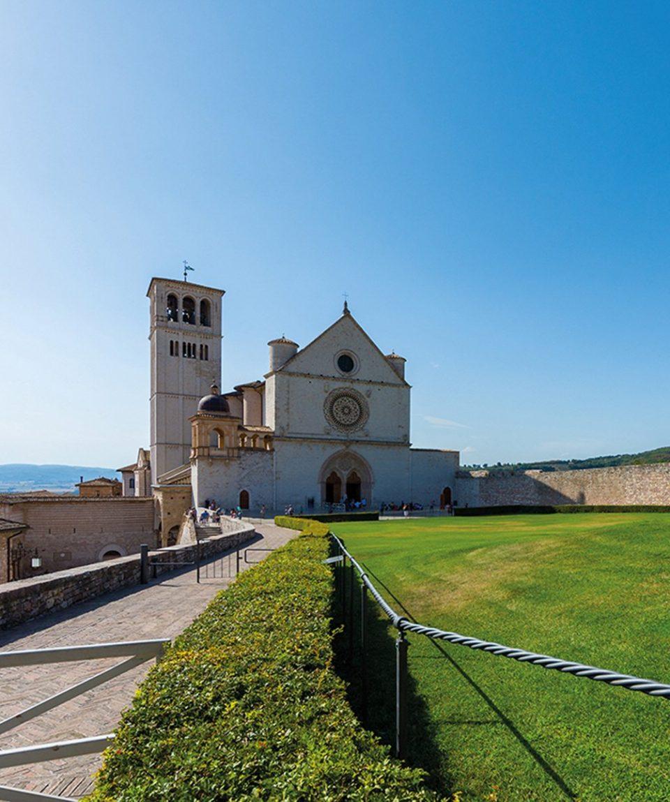 Famous Basilica of St. Francis of Assisi (Basilica Papale di San