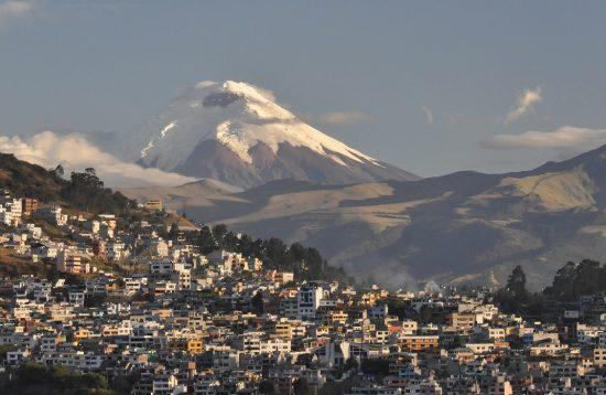 Quito, Cotopaxi Vulkan, Ecuador © Andean TC
