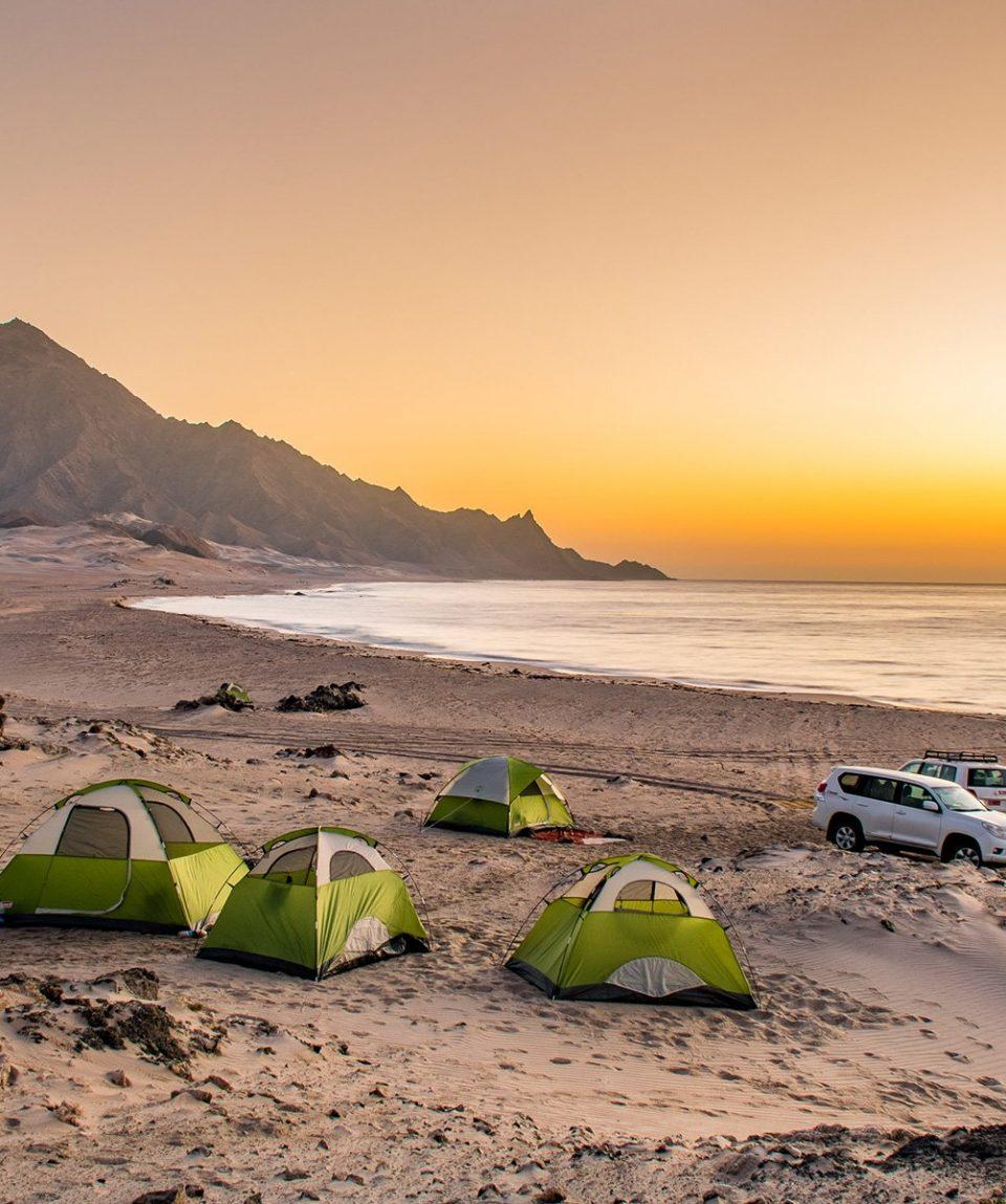 ARR-Reisen_Oman_Camping-am-Strand