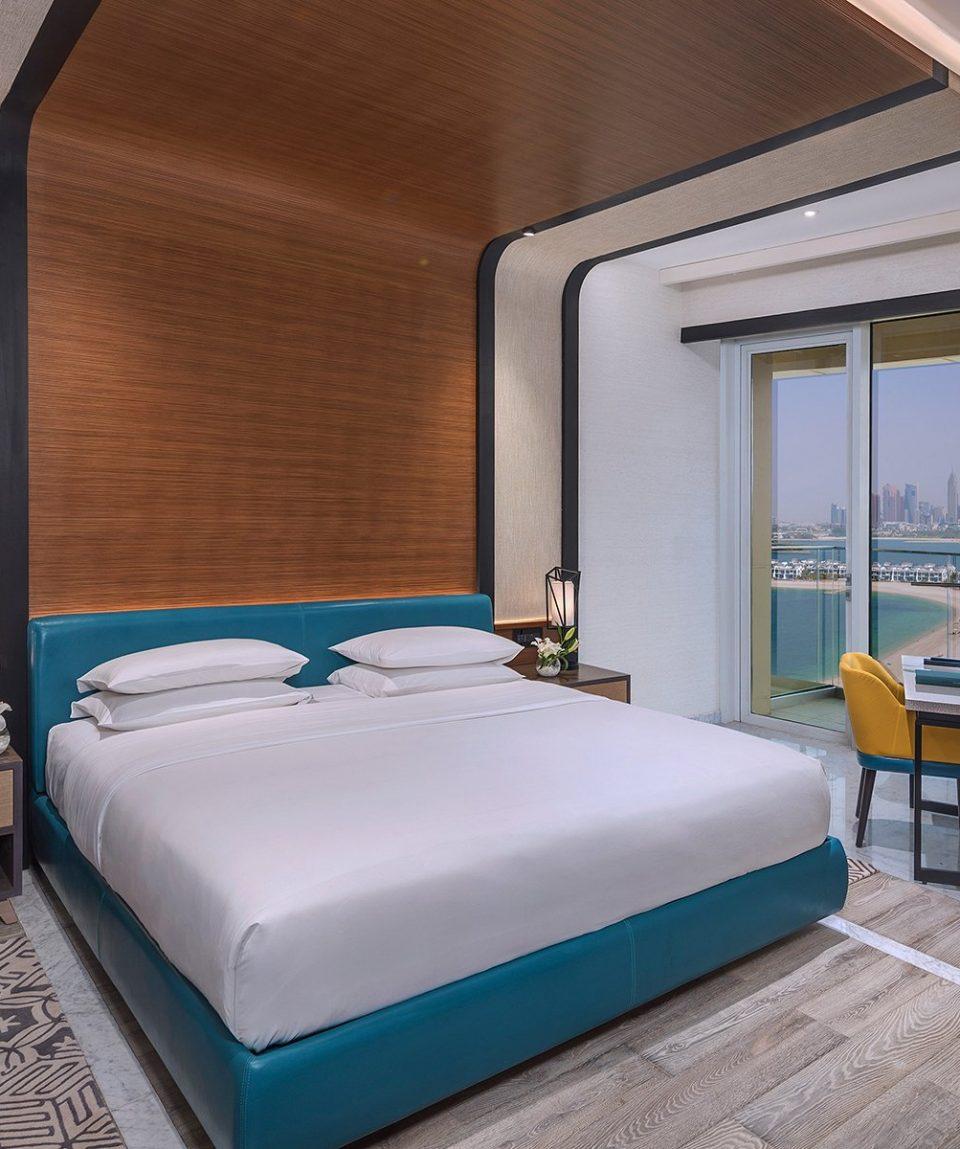 DXBCT_P040 Deluxe Guestroom Bedroom